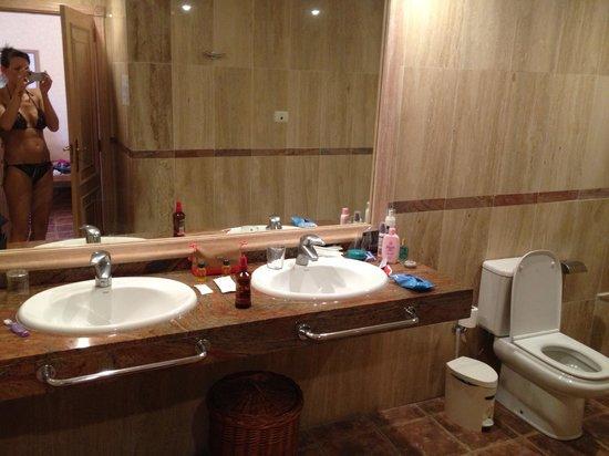Villa Mandi Golf Resort: Bathroom (130)