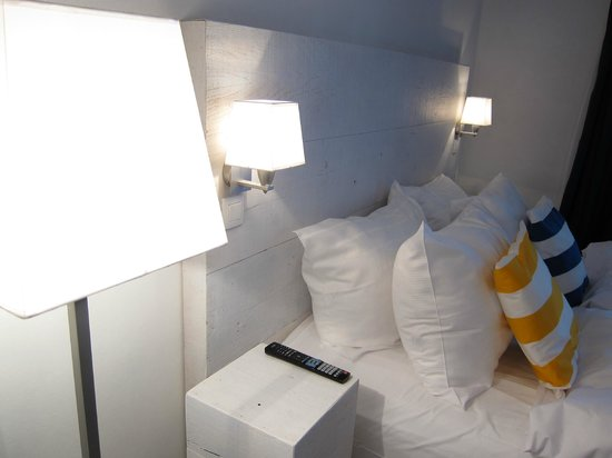 Avenue Beach Hotel: Le lit