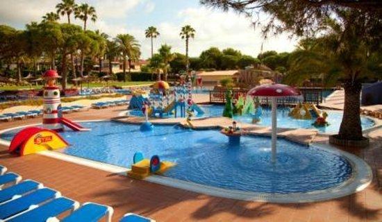 Foto de camping stel roda de bar piscina tripadvisor for Camping con piscina climatizada en tarragona