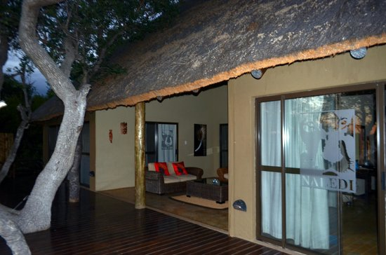 Naledi Game Lodges:                   Leadwood Suite