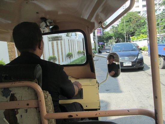 รอยัล เอเชีย ลอดจ์:                   Free tuk tuk service