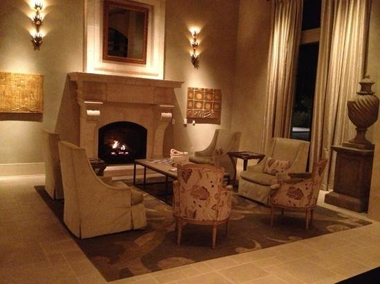Eilan Hotel Resort & Spa:                   Beautiful seating areas in the lobby.