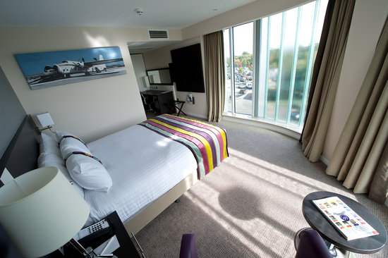 Holiday Inn Southend: King Executive Bedroom