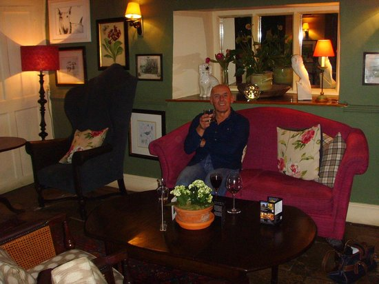 The Lamb Inn: After Dinner drinks in one of the many lounges