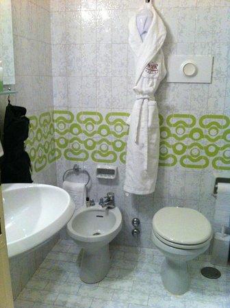 Hotel Romana Residence: Nice, new and clean bathroom