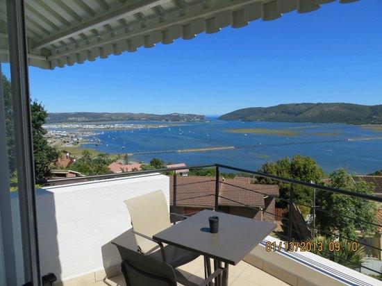 Villa Afrikana Guest Suites:                   Spitzkop Suite balcony