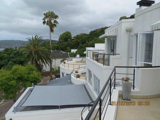 Villa Afrikana Guest Suites:                   View of hotel exterior