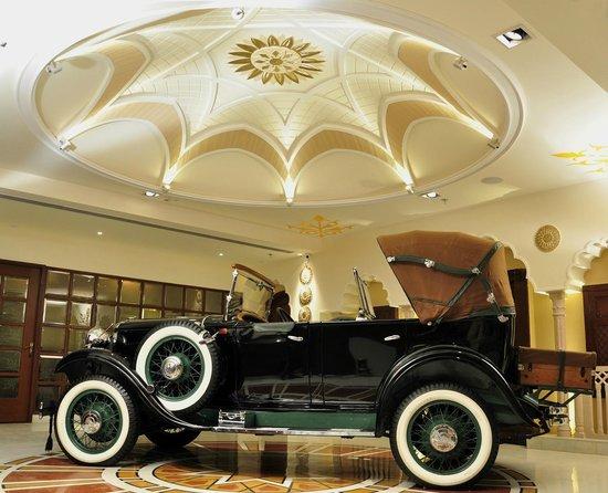 21 Gun Salute :                   The vintage car at the entrance