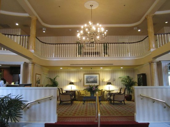 DoubleTree by Hilton Hotel and Suites Charleston - Historic District: the grand entrance hall