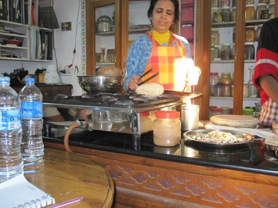 Sushma's Cooking Classes: Sushama cooking chapati