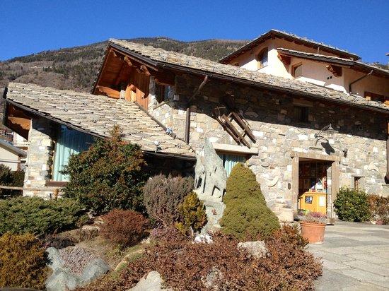 Motel Lo Fleye: Esposizione solare per un immobile elegante e caratteristico