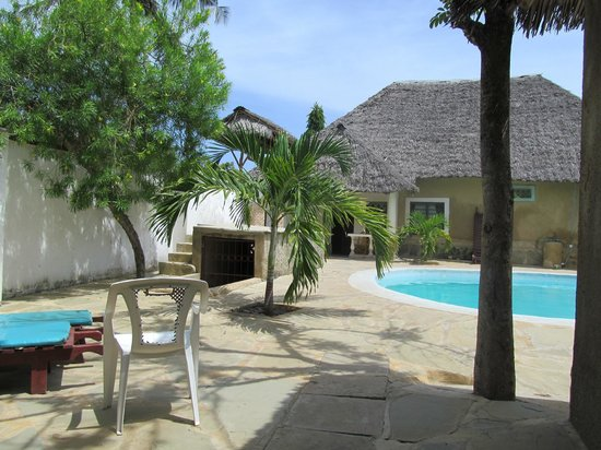 Diani Campsite and Cottages:                                     Diani Campsite Cottage