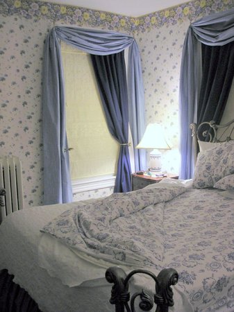 Stonegate Bed and Breakfast:                   Bedroom