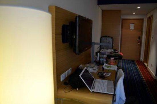 بارك إن أبو ظبي، ياس آيلاند: Superior Room