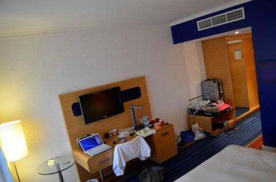 Park Inn by Radisson Abu Dhabi Yas Island: Superior Room
