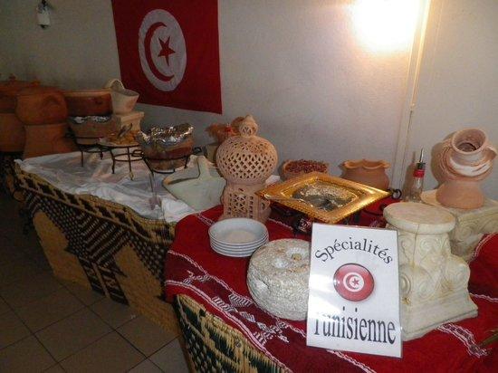 Club Marmara Narjess : buffet de spécialités tunisiennes