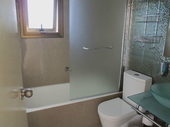 The King Jason Paphos: Bathroom - 1 Bedroom Apartment
