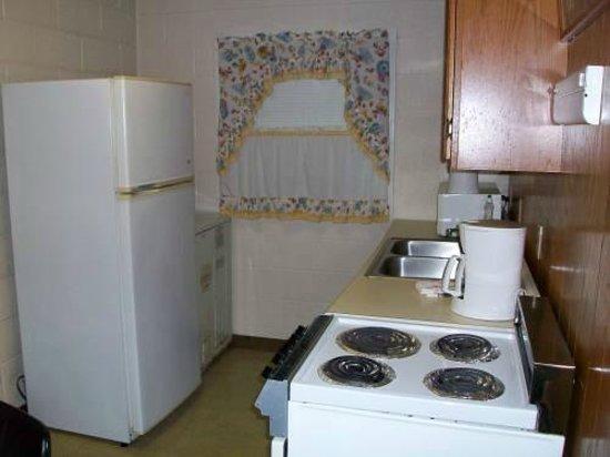 Mountain Heritage Inn: Kitchen Area
