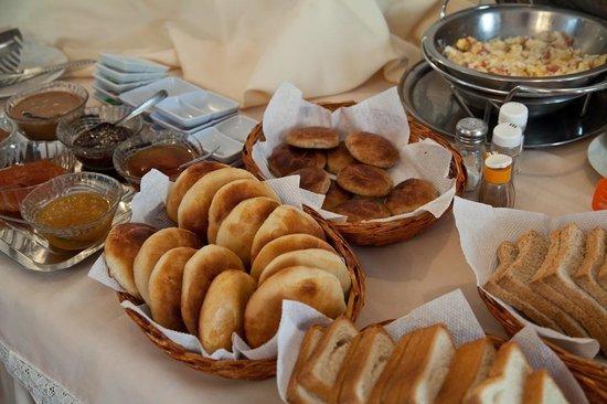 El Hostal de Su Merced: Breakfast - Homemade Breads