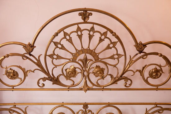 El Hotel de Su Merced: Decoration Details