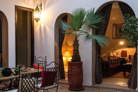 Riad Les Trois Mages:                   Main lounge