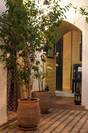 Riad Les Trois Mages :                   Courtyard entrance
