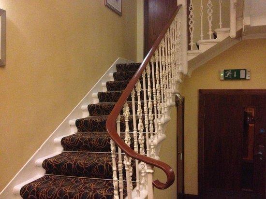 Acorn Hotel: Stairs