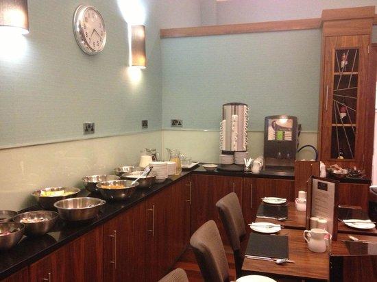 Acorn Hotel: Breakfast