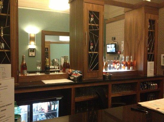Acorn Hotel: Bar