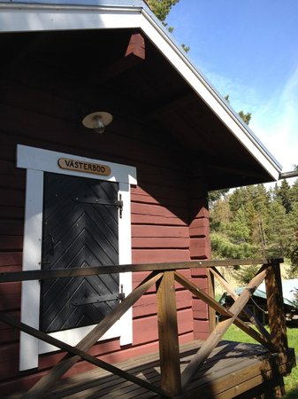 Bodgardin: One of one of the single cabin/cottage
