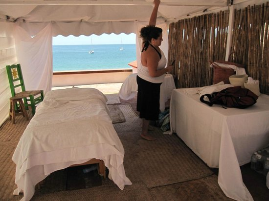 Las Brisas Hotel - Restaurant - Bar:                   Massage room with view to the sea