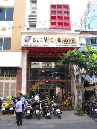 Duc Vuong Hotel: Vive le DucK!~