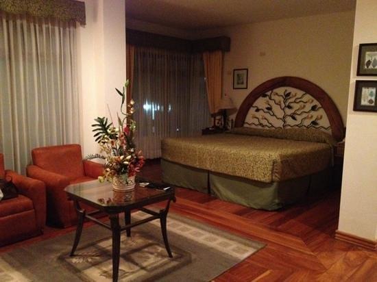 El Rodeo Estancia Boutique Hotel & Steakhouse:                                     king suite