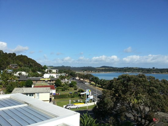 Paihia Beach Resort & Spa: View from balcony to the left