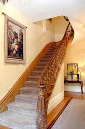River Garden House: Main Stairway