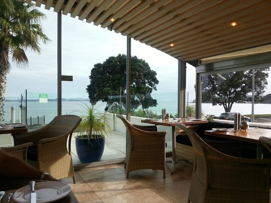 Paihia Beach Resort & Spa: View from Pure Tastes Restaurant
