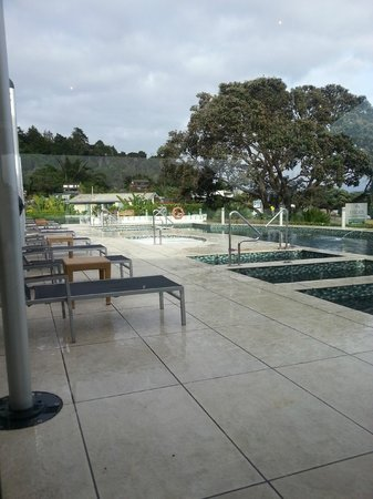 Paihia Beach Resort & Spa: Paihia Beach Resort Pool Area