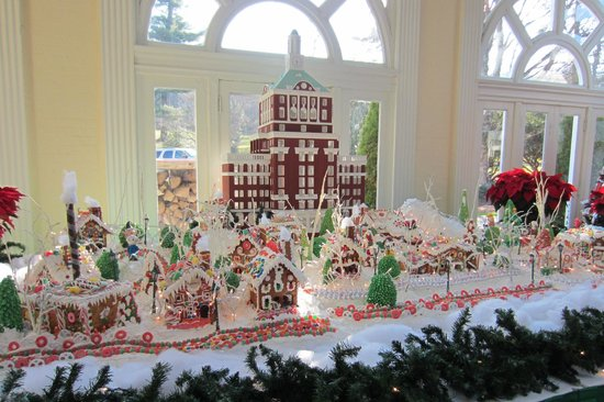 The Omni Homestead Resort: Gingerbread house
