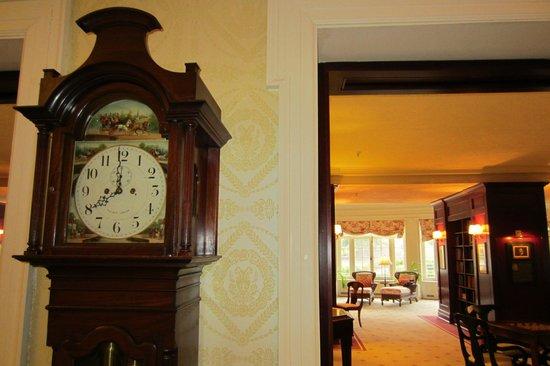 ذا أومني هومستيد ريزورت: Old clock 