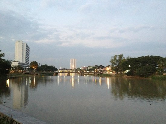 Anantara Chiang Mai Resort: Blick auf River