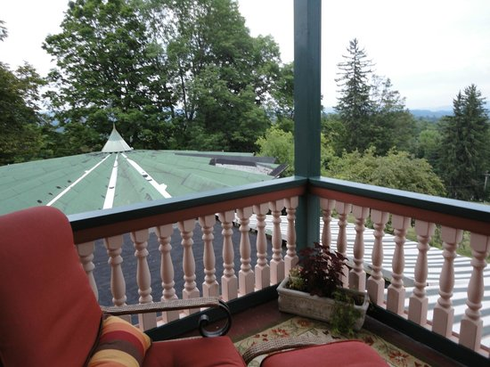 Apple Tree Inn: Balcony of Room 2