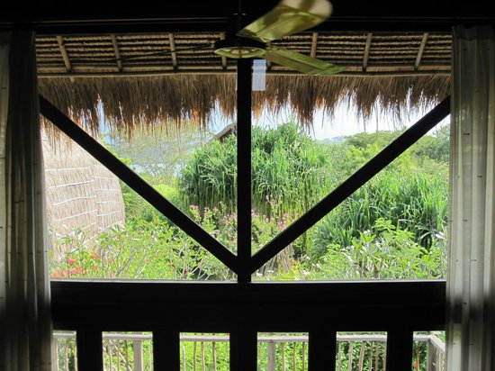 Naya Gawana Resort & Spa: Vue de la chambre
