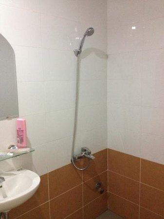 Bao Khanh Tuong Hotel:                   Plenty of hot water!