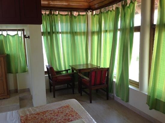 Pozhiyoram Beach Resort:                   rooms