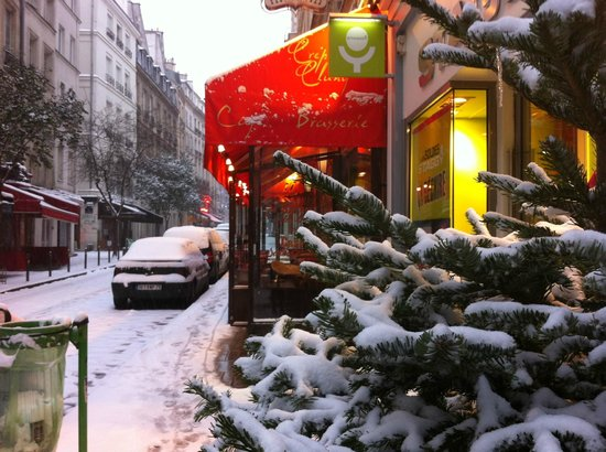 Outside the Creperie de Cluny, Jan '13