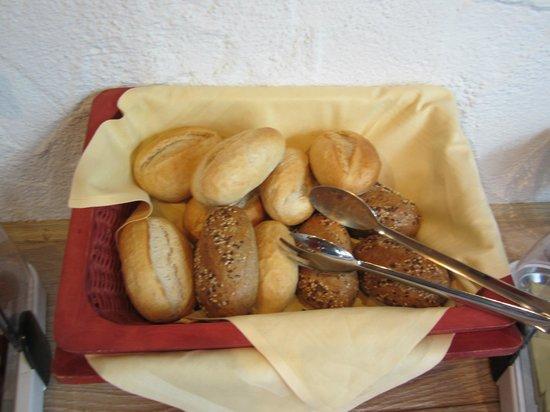 Hotel Restaurant Pfaff:                   breakfast - broetchen