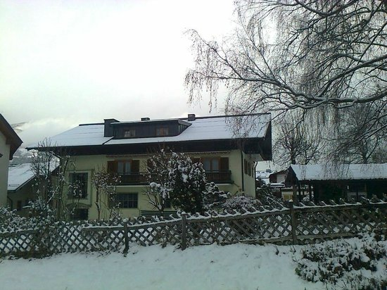 Appartement-Pension Griesser: Winter view