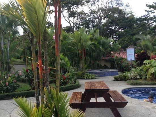 Arenal Volcano Inn:                   acogedor