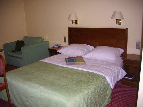 Leonardo Hotel Hamburg-Stillhorn:                   Das Zimmer