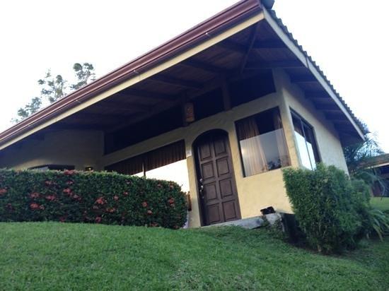 Arenal Volcano Inn:                   Cabañas